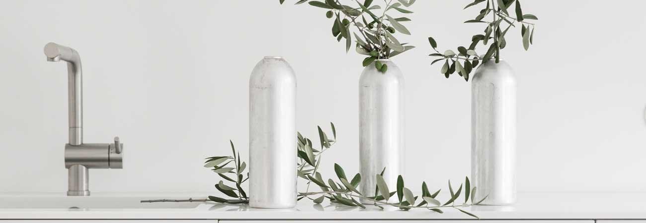 Kerzenhalter Vase FIRE mit Olivenzweig in silber von werkvoll